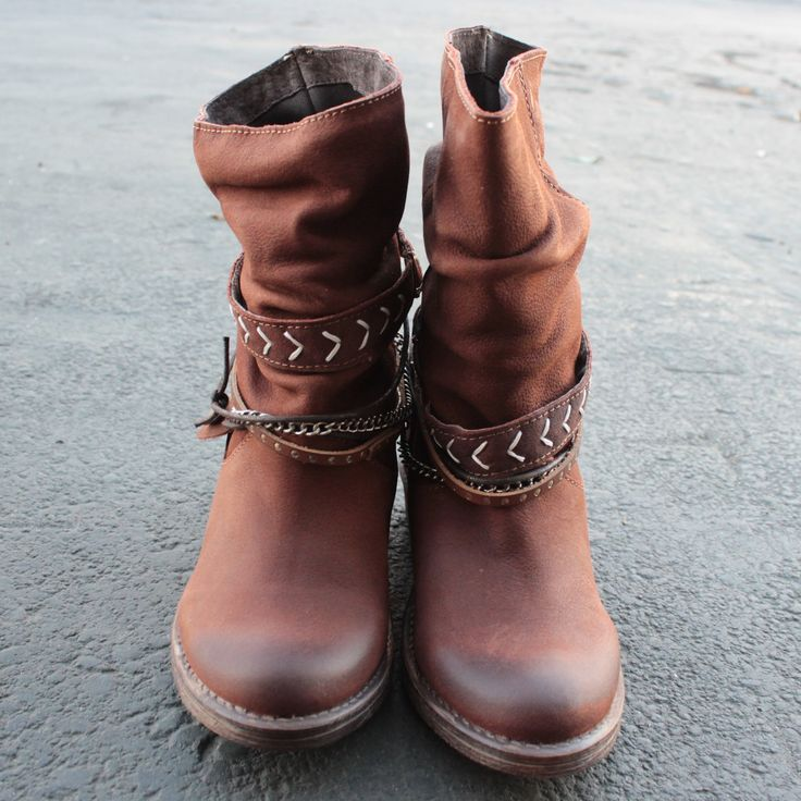 womens slouchy western leather ankle boots in tan