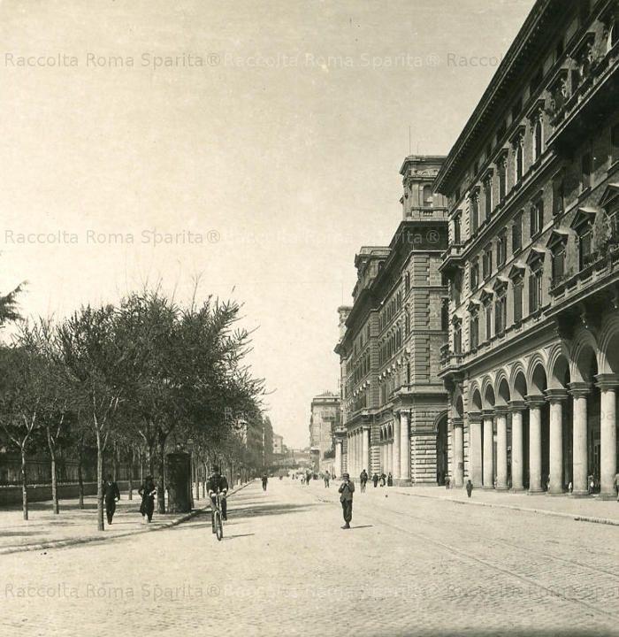 Piazza Vittorio Emanuele II Anno: 1900