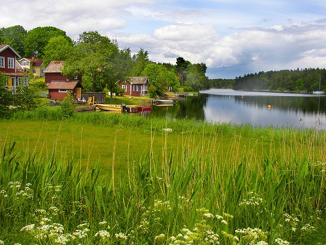 Vagnsunda, Sweden......looks like Minnesota!