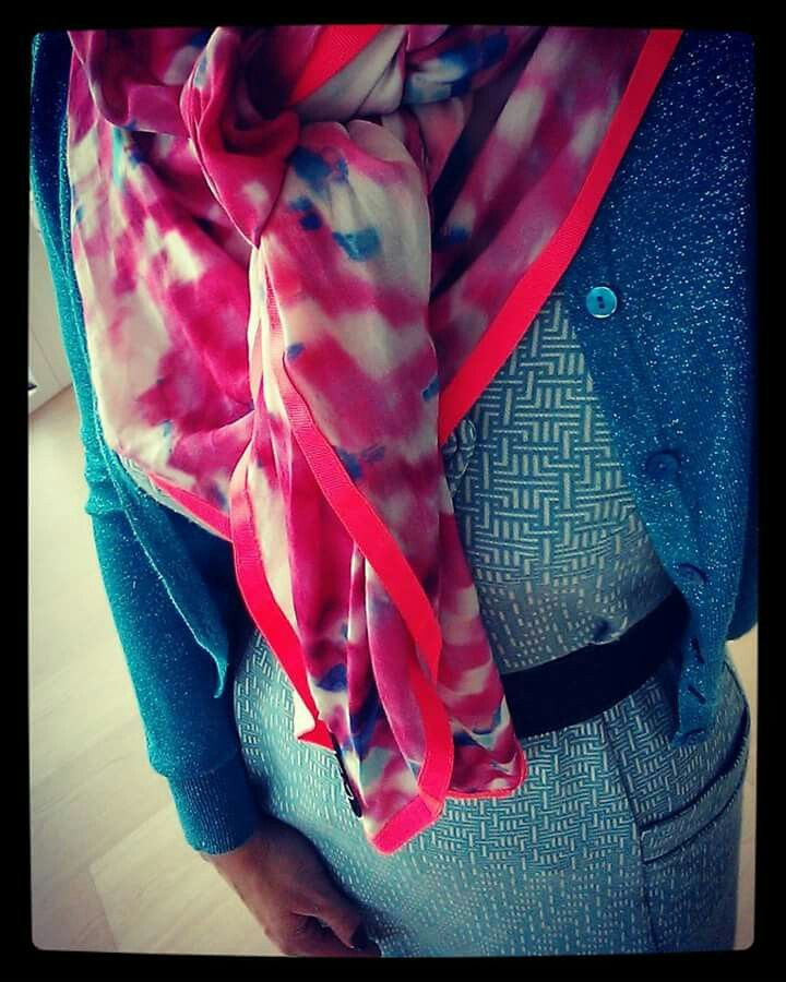 Weiz Copenhagen turquoise Synne dress styled with a colourful Pink spot scarf