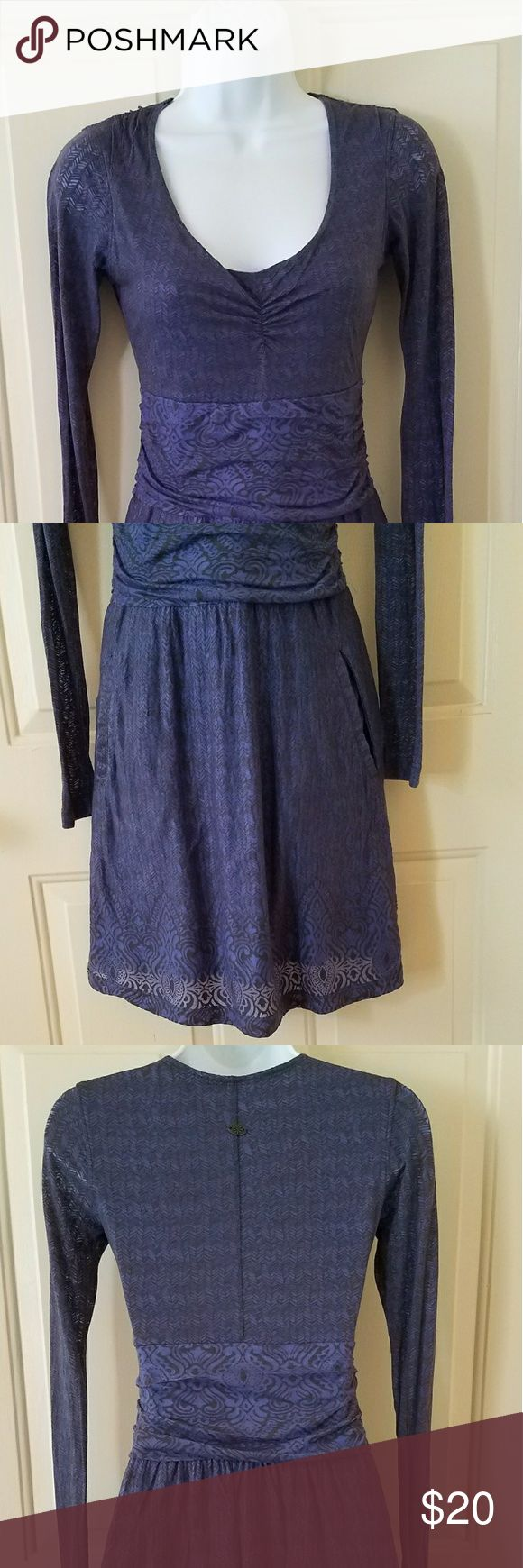 """Athleta long sleeve dress Cute long sleeve dress with scoop neckline. It has two pockets making this a very practical and functional dress.  Measurements  Chest 29"""" Sleeve 24.5"""" Length 35"""" Athleta Dresses Long Sleeve"""