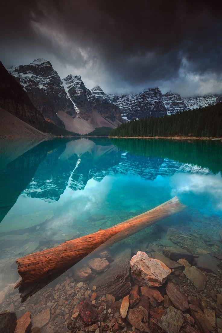 Moraine Lake, Florent Criquet.. #alberta #banff #canada #lake #montagne #rocheuses #rockies #rocky #mountains
