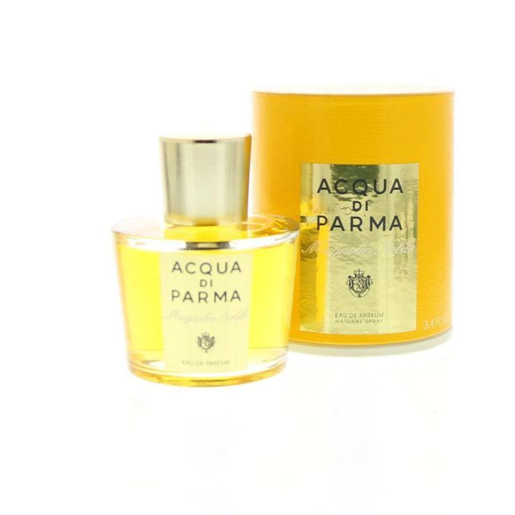 Acqua di Parma Magnolia Nobile Eau de Parfum Spray 100ml  Acqua di Parma Magnolia Nobile Eau de Parfum. De oevers van het Comomeer zijn bekleed door elegante villa's met prachtige tuinen. Een mix van bedwelmende parfums en de stralende nobele geur van magnolia zo perfect thuis in deze prachtige tuinen. Met fluweelzachte bloemblaadjes symboliseert de magnolia een lichtgevende en aristocratische vrouwelijkheid. Een uitdrukking van sensualiteit tegelijk krachtig en delicaat zoals deze parfum…