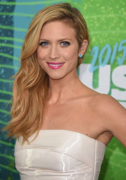 Style Chat: Brittany Snow - Style Chat: Brittany Snow  - Photos