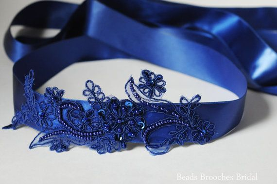 Ceinture de mariage bleu roi guillotine par BeadsBroochesBridal