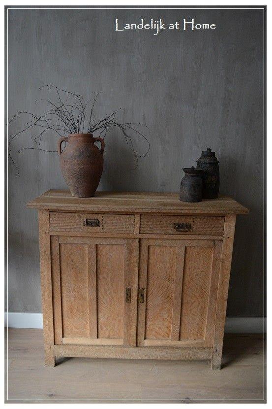 Prachtige landelijke antieke eiken meidenkast commode | ~ Uniek, Oud & Antiek | Landelijk at Home. Eiken voor grijze muur toch mooi