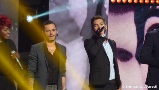 Kendji et Maximilien (The Voice)  Tournage Grégory Lemarchal,  une voix d'ange depuis 10 ans au Zénith de Paris le 10 juin 2014 et diffusé sur TF1 le 16 août 2014 à 20h50