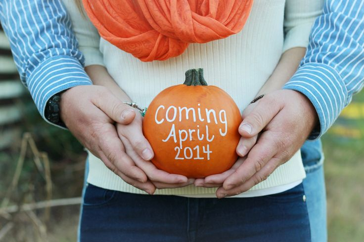Cute pregnancy announcement; can do with big ornament for Christmas time