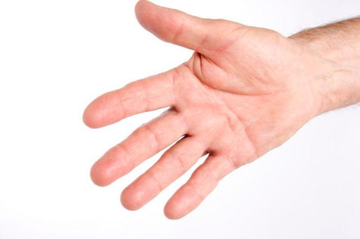 Qué causa que se caiga la piel en las manos | Muy Fitness