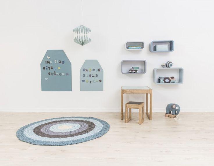 Unique Wandgestaltung im Kinderzimmer mit grosser Magnettafel Haus in T rkis x cm von