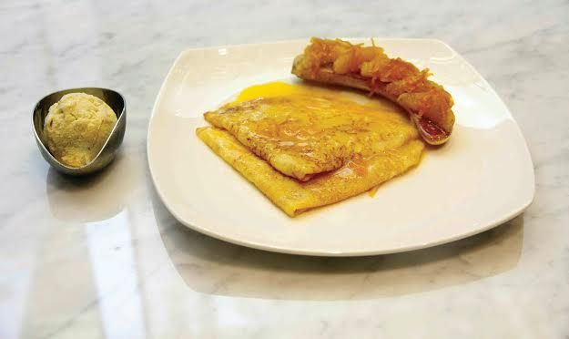 Crêpe Suzette adalah crêpe tradisional asal Perancis dan sajian ini kerap dihidangkan sebagai hidangan penutup. Mau coba? Sambangilah JJ R.