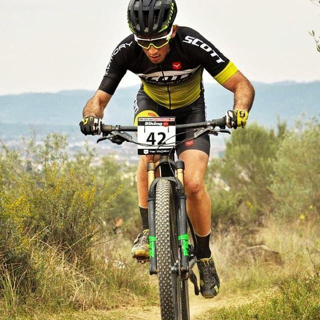 No dejes de pedalear, siempre hacia delante 🚵🚵 - Primera parada de la Copa Catalana Internacional en Banyoles con #scottTaymory #team // Never stop pedaling - first stop of CCI in Banyoles @marc.donadeu 📷 @rubenas89 👌👌 #taymorybike #bike #bikeit #bikeon #cycle #cyclist #btt #CCI #Banyoles #wearyourdreams #scottaymory #noshortcuts #chaseyourdreams #taymorylife #taymoryteam #taymory