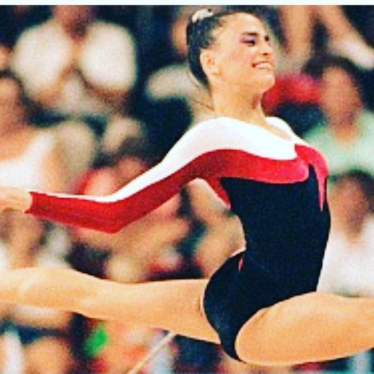 Hace 25 años nos emocionamos con @fans_carolina_pascual cuando se convirtió en subcampeona olímpica en los Juegos Olímpicos de Barcelona 1992.  Hoy recordamos con nostalgia desde #MundoCrystal un momento inolvidable para el deporte español. ENORME CAROLINA. GRACIAS POR TANTO!! #JuegosOlimpicos92 #Barcelona92 #GimnasiaRitmica #Ritmica #rythmics #mood #instamood #instalike #instamoment #olimpicgames