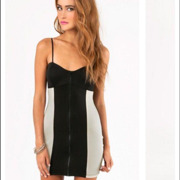 Tobi black and cream zip up dress Zip up dress by Tobi in black with cream/off white sides. Never worn Tobi Dresses Mini