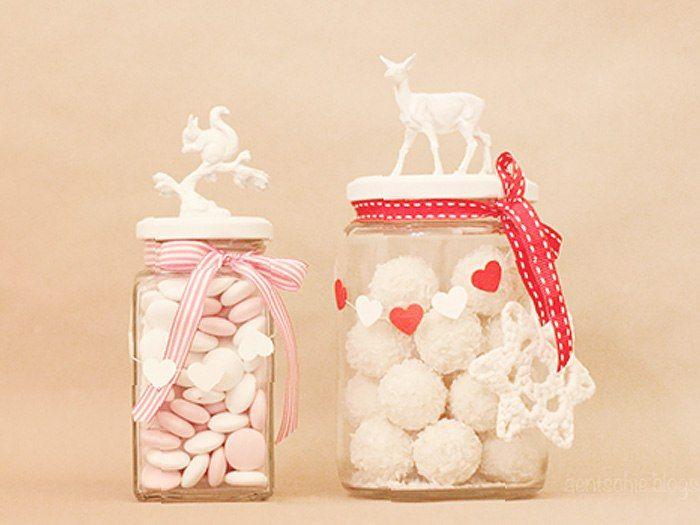 Barattoli di vetro da riempire di dolci fatti in casa come idea regalo per Natale. Scoprite con noi come fare!