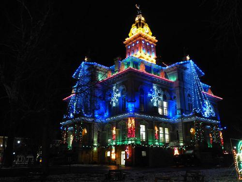 Newark Ohio Courthouse christmas lights illuminations   COURTHOUSES.....    Pinterest   Ohio, Newark ohio and Christmas lights - Newark Ohio Courthouse Christmas Lights Illuminations COURTHOUSES