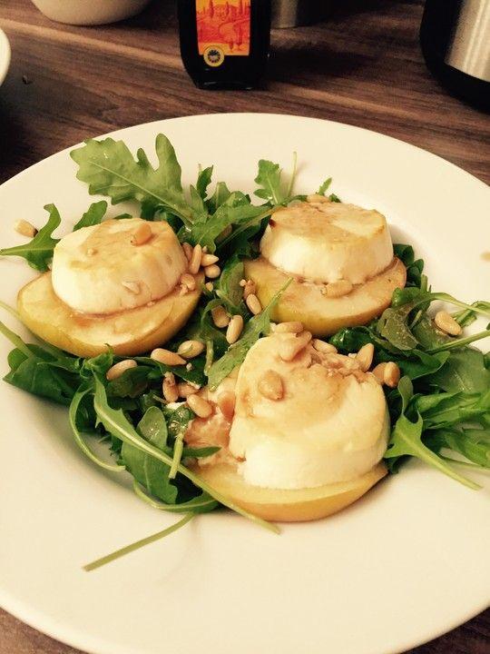 Überbackener Ziegenkäse mit Honigsauce, ein schmackhaftes Rezept aus der Kategorie Eier & Käse. Bewertungen: 311. Durchschnitt: Ø 4,7.