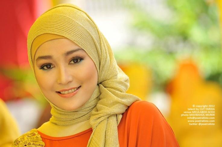 Foto Portrait Gadis Cantik Anggun Aceh Berjilbab Baju Muslimah Photo ...  | #hijab #cantik @bandungONe