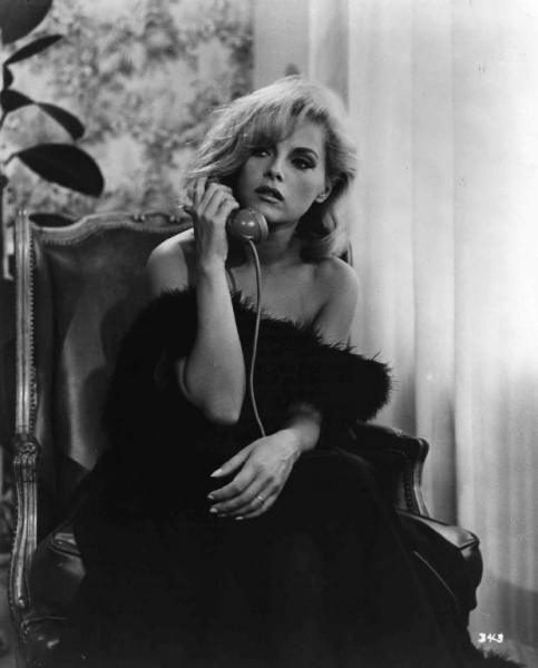 Virna Lisi in short La Telefonata from Le Bambole (1965)