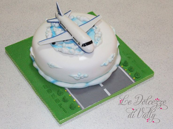 Airplane Birthday Cakes Pictures