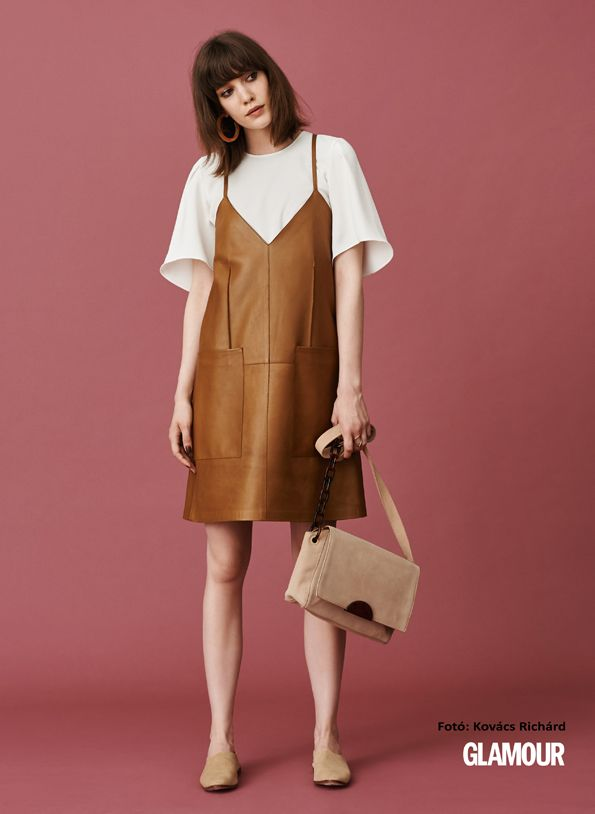 Trendi őszi kezdés a bőr! Leather dress + suede loafers and bag. That outfit will be a good autumn start.