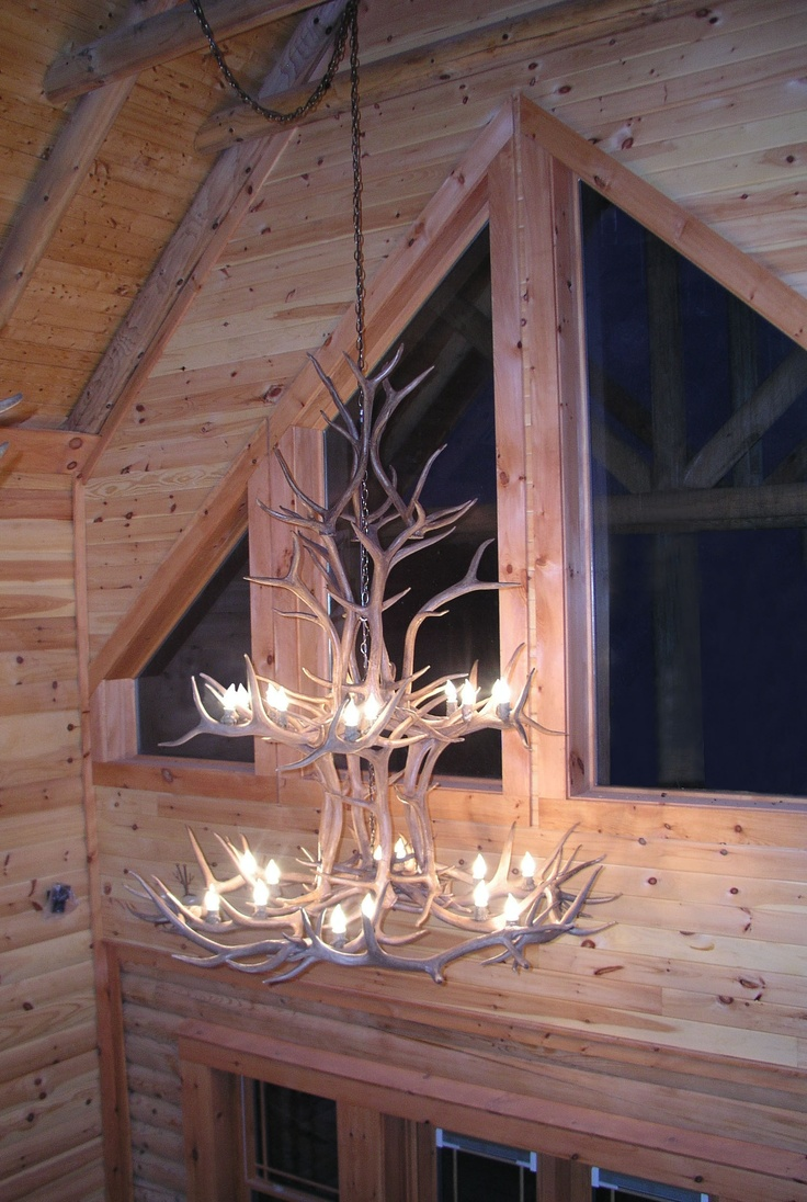 Rustic chandeliers lodge amp cabin lighting - Stunning Antler Chandelier To Complete Any Rustic Lodge Theme By Canadian Antler Designs