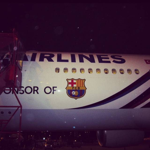 Turkish Airlines with Barcelona's logo.