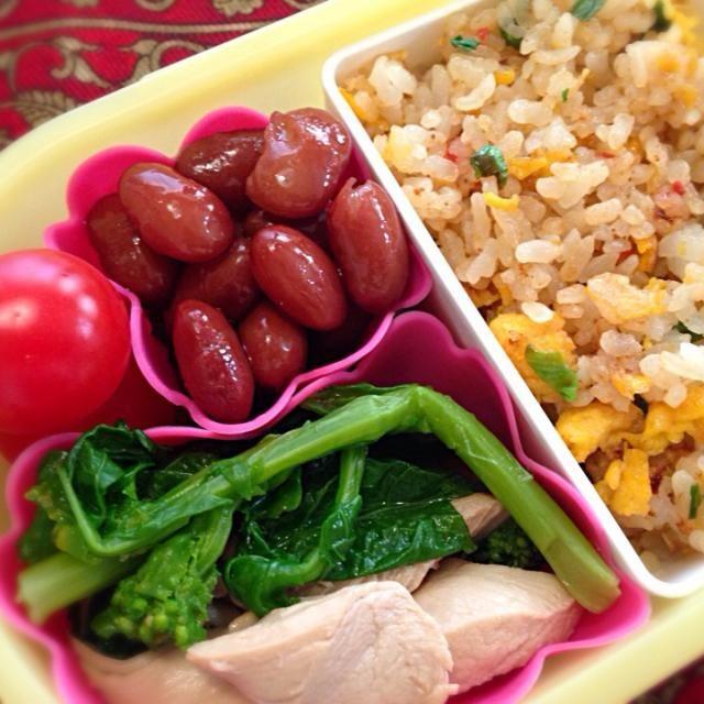 おはようございます(^-^)/ 菜の花の辛子和えもそろそろ終わりです。炒飯は残りご飯で作りました。 - 19件のもぐもぐ - 玉子炒飯と菜の花の辛子和え弁当 by moeyun