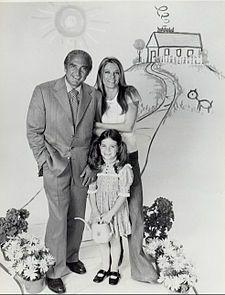 Sheldon Leonard - Leonard, Sheree North and Quinn Cummings in Big Eddie, 1975