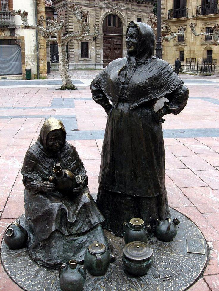 """""""Vendedoras del Fontan"""", Oviedo, Asturias, Spain                                                                                                                                                                                 Más"""