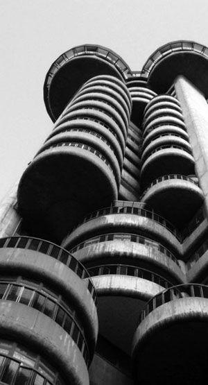 torres_blancas.jpg (300×555)