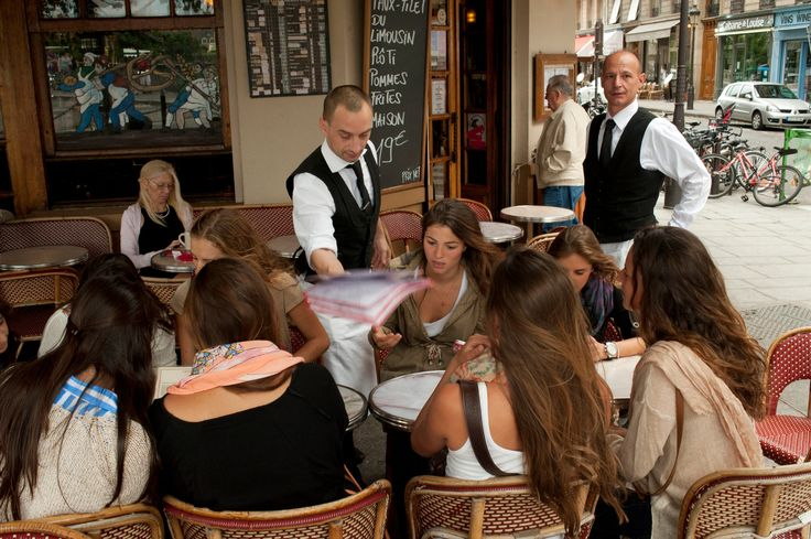 NYT PARIS JOURNAL A Quest to Make Gruff Service in France More Gracious