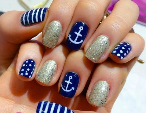 Nail art marinero