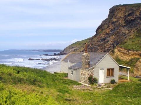 English beachside weatherboard cottage