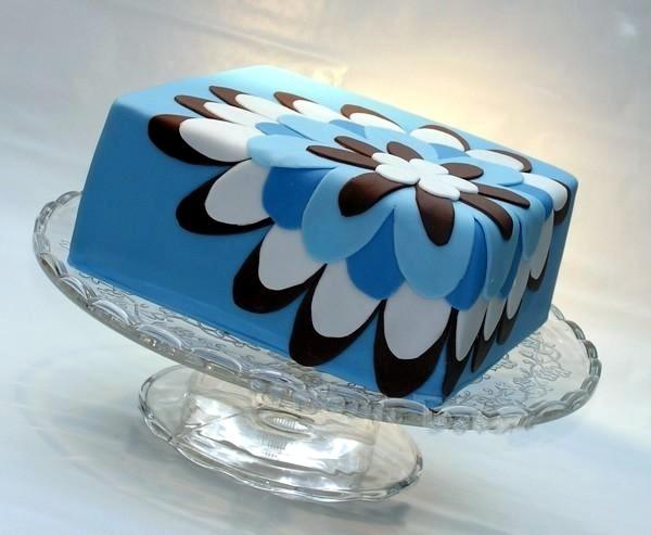 Awesome fondant flower designed cake!