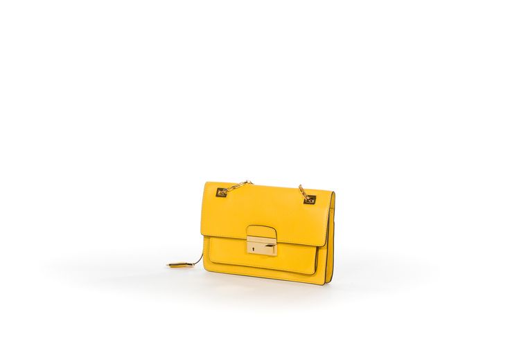http://www.salvagentemilano.it/it/michael-kors/cpf/31s3ggaf3l-sun-shoulder-flap/p/31839/v/248042