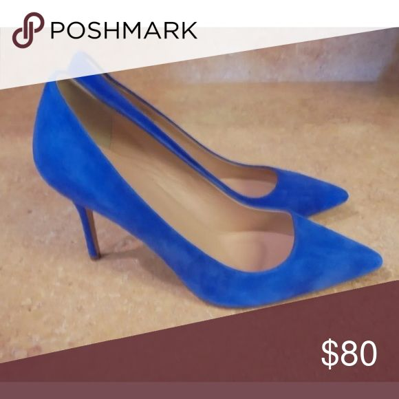 J Crew Blue Suede Elsie Pump 6.5 Gorgeous blue suede shoe from j crew, 6.5. Worn briefly for a photo shoot. Perfect for a little something blue for a wedding. J. Crew Shoes Heels