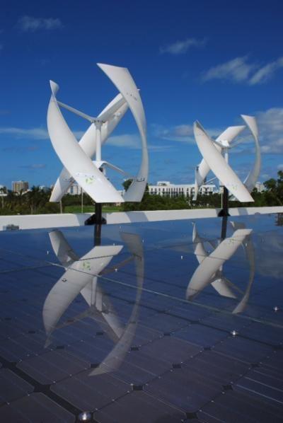 SeamlessGrid je systém, který umí zároveň využívat solární i větrnou energii.