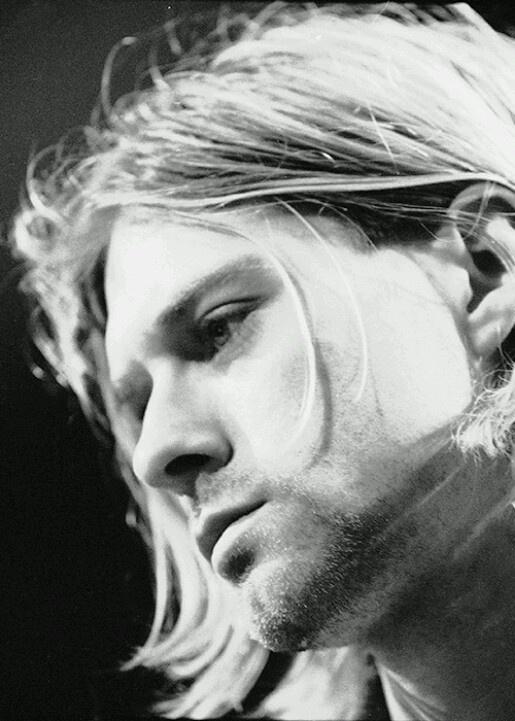 Kurt Cobain! His voice!!!                                                                                                                                                                                 Mais