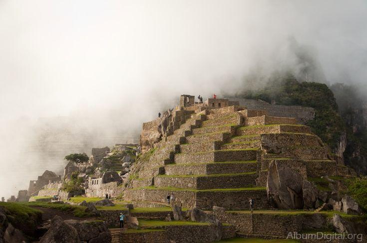 Znalezione obrazy dla zapytania piramides de peru