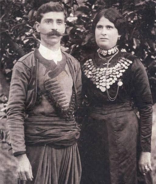 A Cretan couple...19th century Αντρόγυνο Κρητικών...ΚΩΣΤΗΣ Ν. ΠΕΡΑΚΗΣ & ΕΛΙΣΑΒΕΤ ΔΙΑΜΑΝΤΑΚΗ από ΚΑΤΩ ΑΣΙΤΕΣ , 19 αι.,  (Ιστορικό Μουσείο Ηρακλείου)