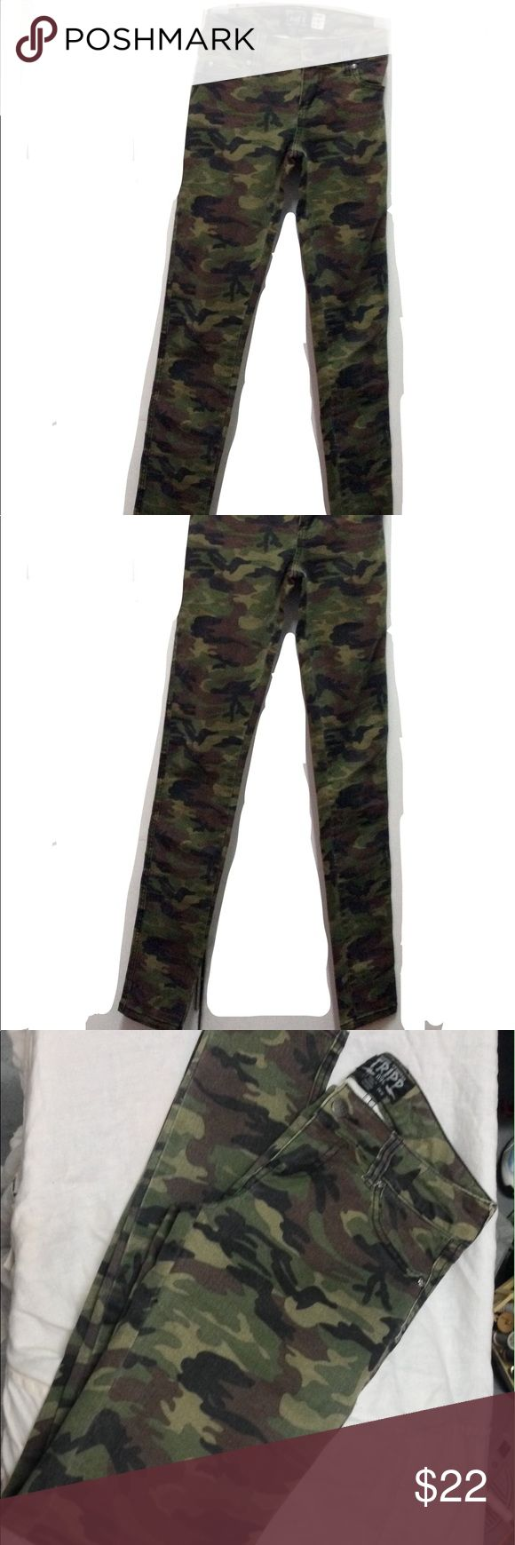 "Tripp NYC Camouflage Skinny Jeans Sz 24 Tripp NYC Army Green Green Camouflage Print Stretch Skinny Jeans Sz 24"" W x 32""L LIKE NEW NEVER WORN, PRISTINE CONDITION NO FADING OR STRETCHING RUNS BIG SUPER STRETCHY DENIM Tripp nyc Jeans Skinny"