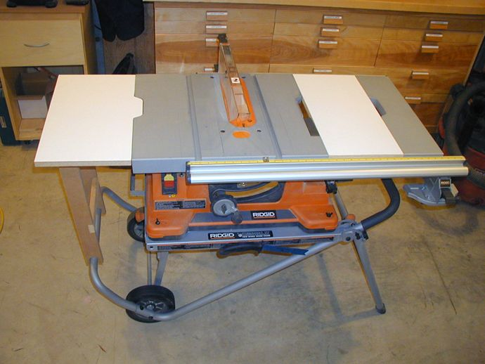 Rigid table saw outfeed