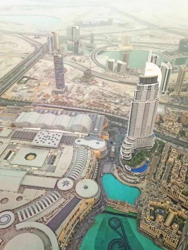 Dari lantai 124 burj khalifa, subhanallah, indahnya.