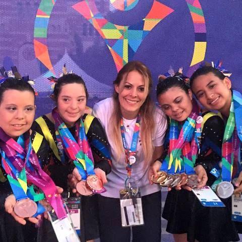 La venezolana Albalía Pérez participa en el programa Olimpiadas Especiales de EEUU http://crestametalica.com/la-venezolana-albalia-perez-participa-en-el-programa-olimpiadas-especiales-de-eeuu/ vía @crestametalica