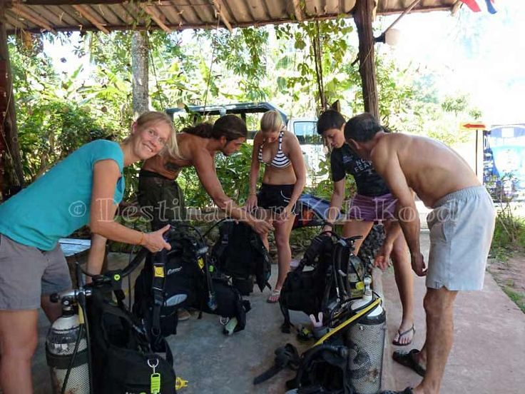 Getting ready for diving with Paradise Divers @ Koh Kood (Thailand)