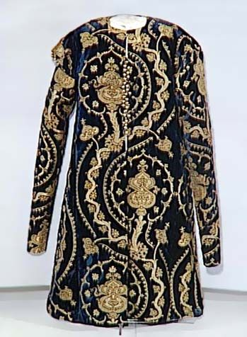Caftan from 16th century (National Museum of Art, Bucarest)