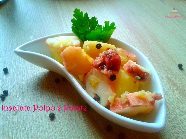 L' Insalata Polpo e Patate è uno squisitopiatto jolly che non dovrebbe mai mancare nel vostro repertorio culinario.