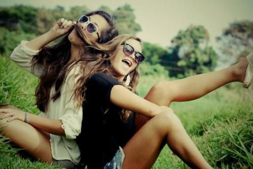 Best friend photo shoots...it's all about   having fun!