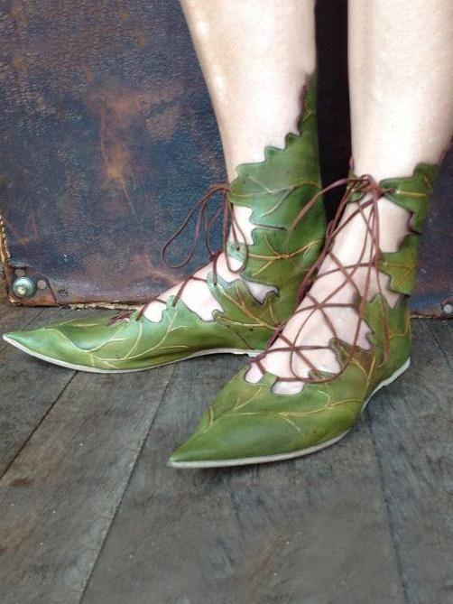 488174eba355 Leaves Pattern Bandage Pointed Shoes – bonboho